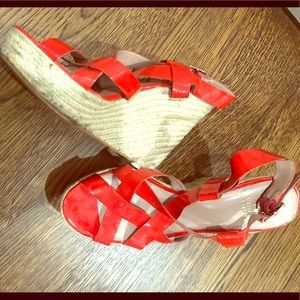 Vince Camuto red wedges